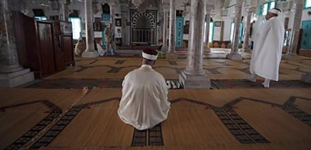 Tunus'ta 187 Cami Kapatılıyor