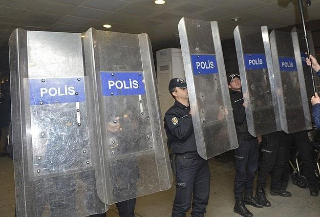 Batman'da AK Parti'ye Saldıranlar Yakalandı