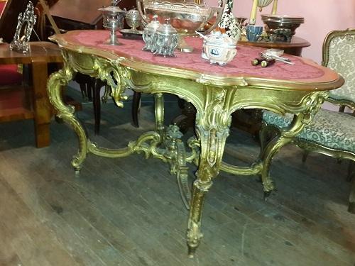 Florya'da Antika Eşya ve İkinci El Halı Alım Satımı
