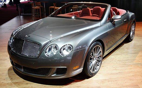 Yemen´i Bombalayan Pilotlara Bentley Hediyesi