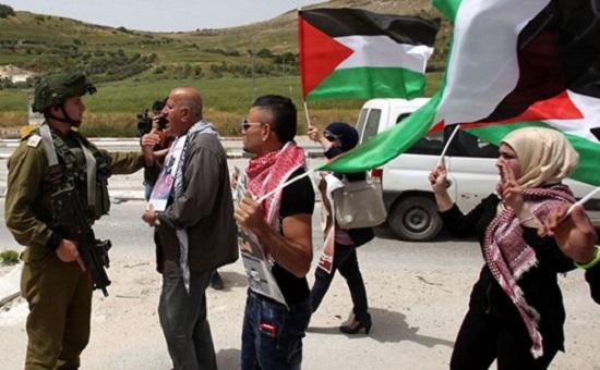 İsrail Bugün de 4 Filistinlinin Evini Yıktı