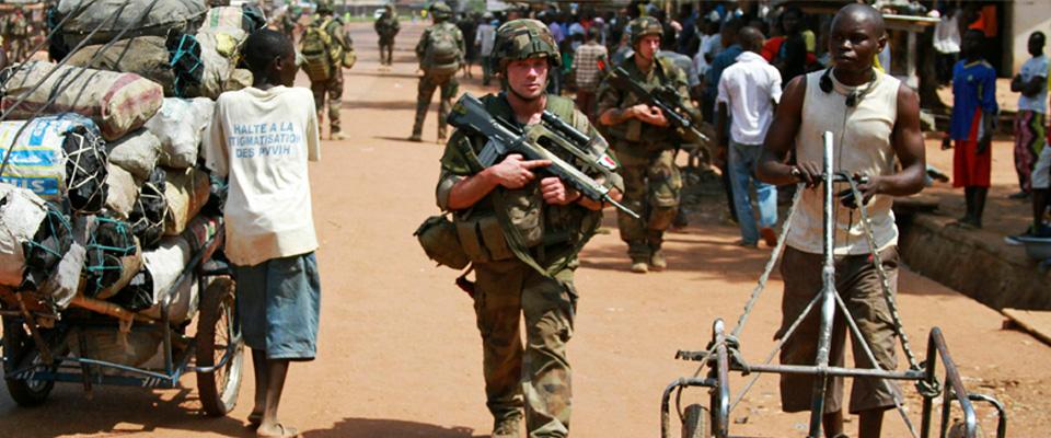 Fransız Askerler Orta Afrika'da Çocuklara  Tecavüz Etmiş