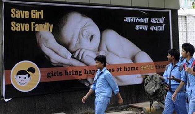 Hindistan'da üç yılda 12 milyon kız kürtajla öldürüldü