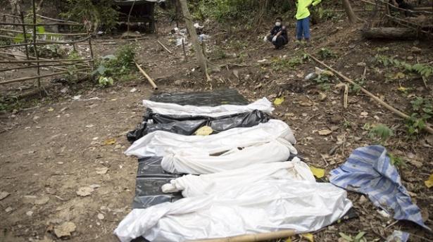 5 Müslüman Toplu Mezarı Ortaya Çıktı