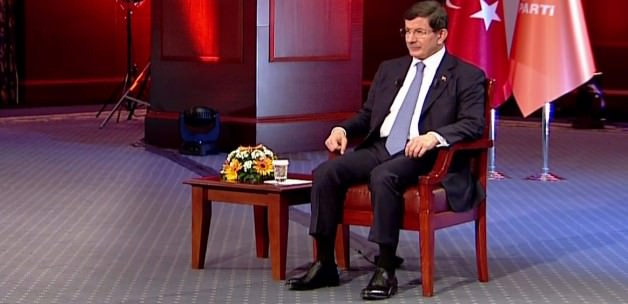 Selvi: Davutoğlu'nun HDP'den Seçeceği Vekiller