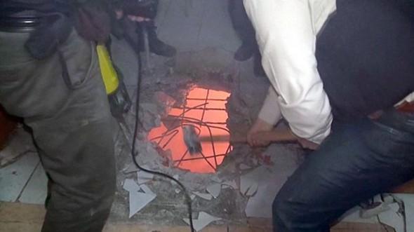 Polis DHKP/C evine tavanı kırarak girebildi