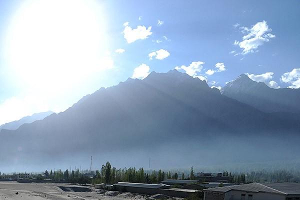 Nepal depremi Himalaya dağlarını alçalttı
