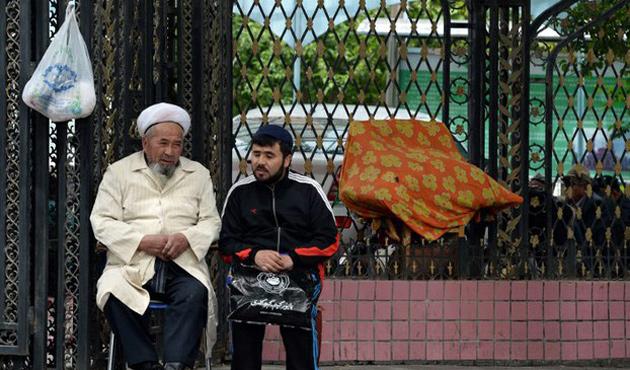 Tacikistan Uygurları Çin'e iade edecek