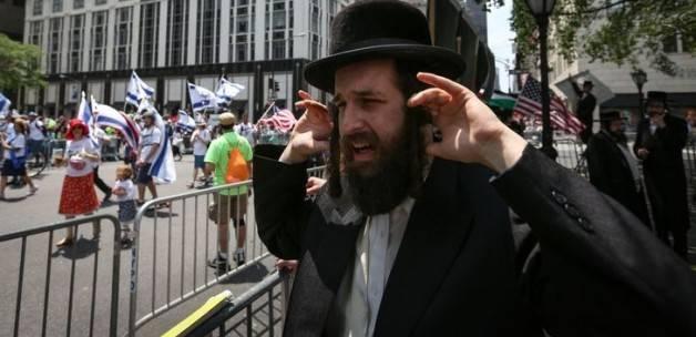 New York'ta Yahudiler İsrail'iProtesto Etti