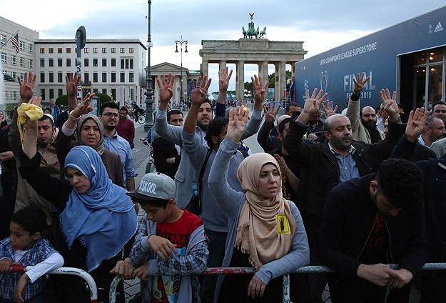 Darbeci Sisi, Almanya'da Protestolarla Karşılandı