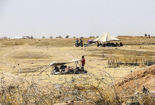"""""""Tel Abyad'da 4 Türkmen Köyü PYD'yeGeçti"""""""