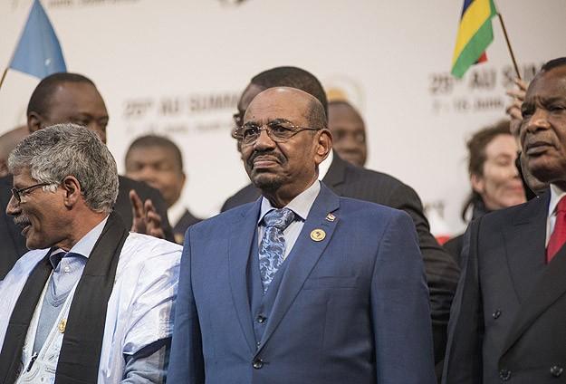 Sudan Devlet Başkanı Beşir Hartum'aDönüyor