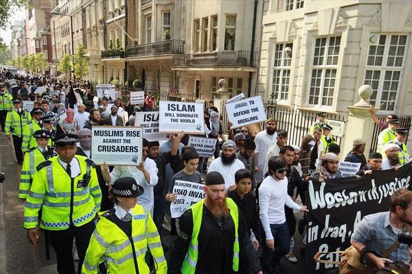 İngiltere'de Müslüman Nefretinde Artış