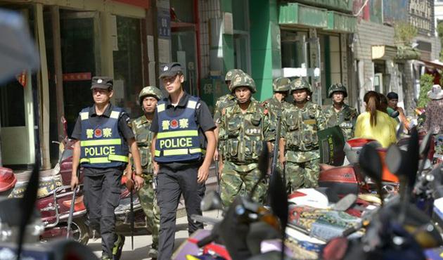 Çin polisi, Doğu Türkistan'da 8 Kişiyi Öldürdü