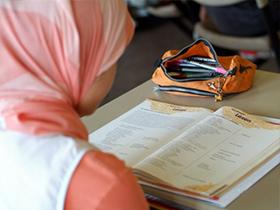 Müslüman Öğrencilere Skandal Sorular