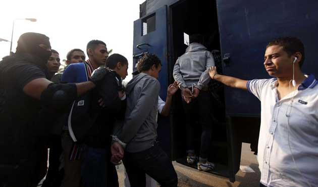 Mısırda Muhalif Gazeteciler  Gözaltında