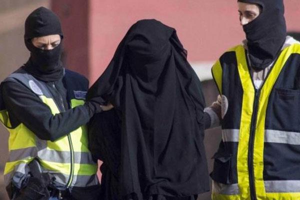 IŞİD Militanı Kadın Kıyafetleriyle Yakalandı