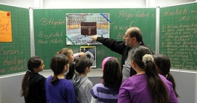Almanya'da İslam Dersi Verilmeye Başlandı