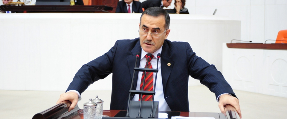 İhsan Özkes CHP'yi  Topa Tuttu