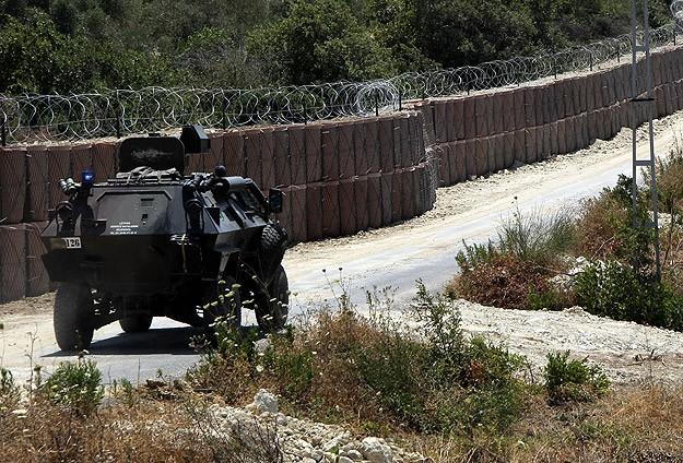 PKK Batman'da Polis Aracını Taradı: 1 Komiser, 1 Polis Yaralı