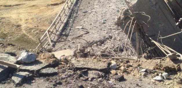 Teröristler bir Köprüyü Daha Havaya Uçurdu