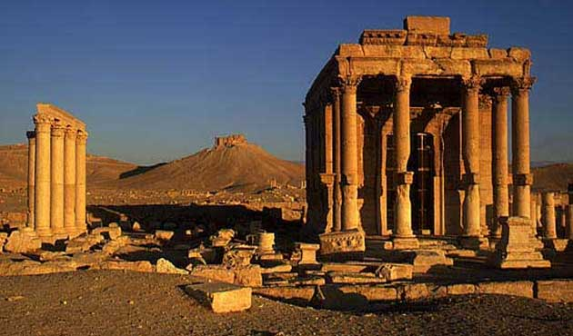 IŞİD Palmira'daki iki Bin Yıllık TapınağıYıktı