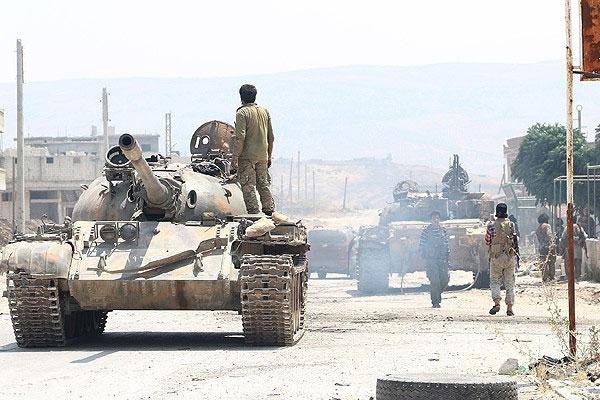 'Suriyeli Muhalifler Düzenli Ordu Kuruyor'