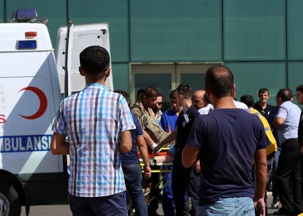 Yol Kesen PKK'lılar, Doktor Öldürdü