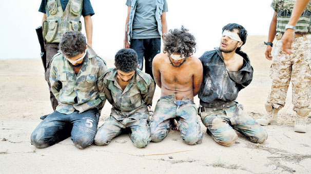 El Nusra'nın Aldığı üste 56 Askere İnfaz