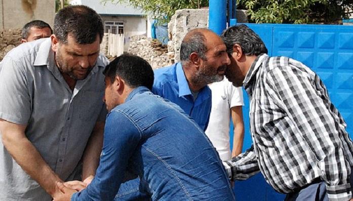Biri Asker Diğeri PKK'lı iki Teyze Çocuğunun Taziyeleri Birlikte Kabul Edildi