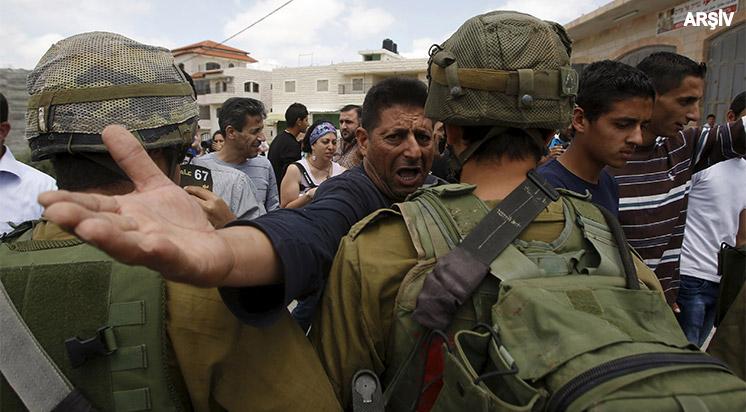 Siyonistler Gazetecilere Saldırdı
