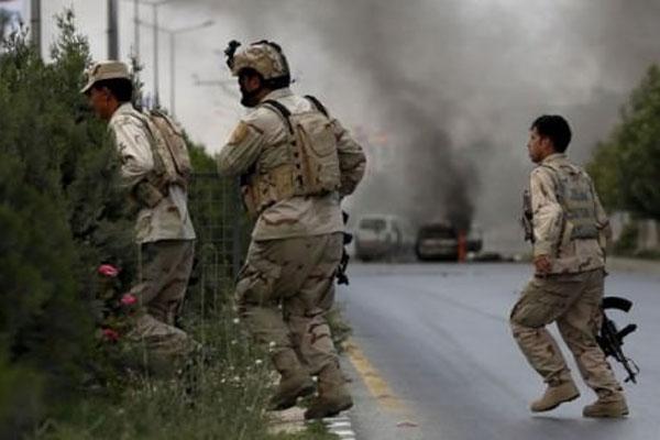Pakistan'da Polise Saldırı: 2 Ölü