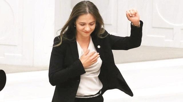 CHP'li Ataşehir Belediye Başkanı İlgezdi Görevden Alındı