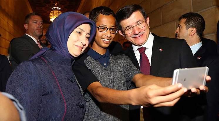 Davutoğlu, Ahmed Muhammed ile Buluştu