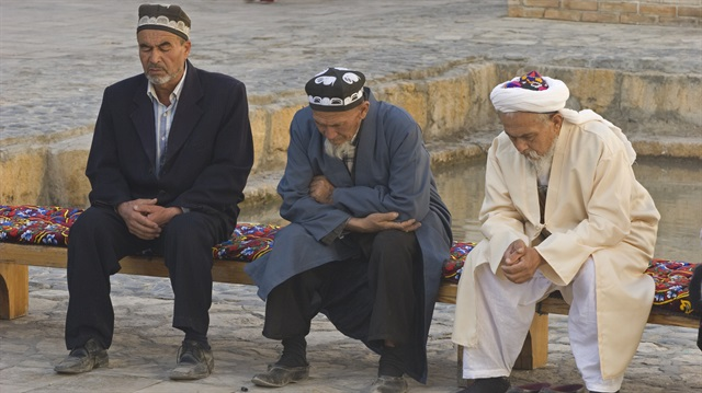 Özbekistan'da Müslümanlara Zülüm Sürüyor