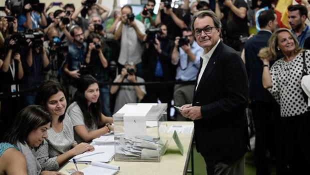 Katalonya 2017'de Bağımsızlık İçin Referanduma Gidiyor