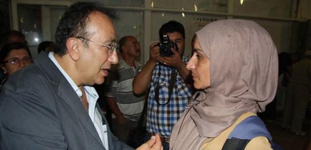 CHP'lilerden Başörtülü Gazeteciye Tahrik Edici Saldırı