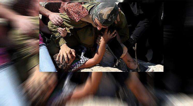 İsrail  900 Çocuğu Gözaltına Aldı