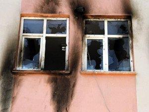 Van'da Okula Yanıcı Maddeyle Saldırı