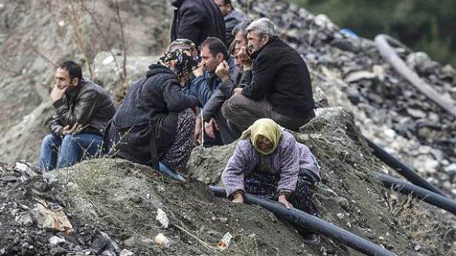 Ermenek'te Toprağı Elleriyle Kazan Kadın, Yardım Parasıyla Cami Yaptırıyor