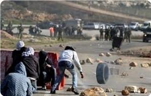 Filistinli Gençler İşgal Güçlerine Çok Sayıda Molotof Kokteyli Attı