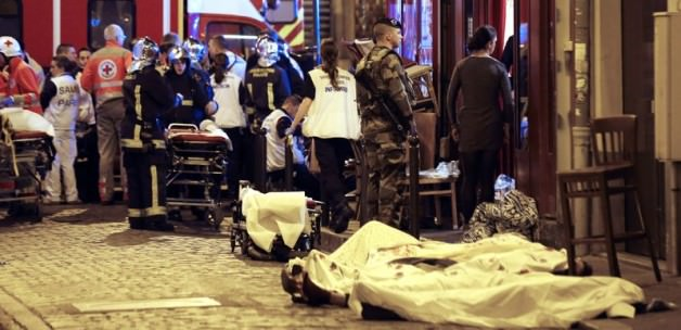Bombacının Üzerinden Pasaport Çıktı