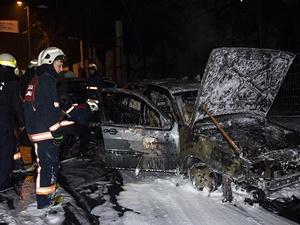 İstanbul'da 15 Araç Kundaklandı!