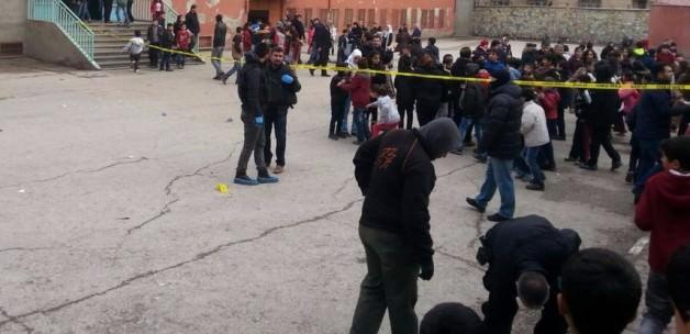 Diyarbakır'da Okul'a Bomba: 5 Yaralı