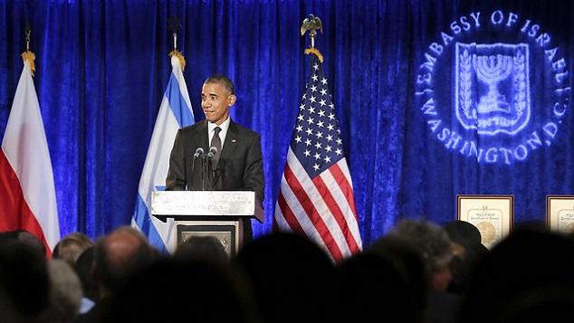 Obama Yan Çiziyor