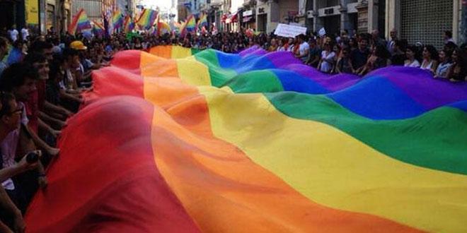 Mardin'de  Ahlaksız Yürüyüşe Halk İzin Vermedi