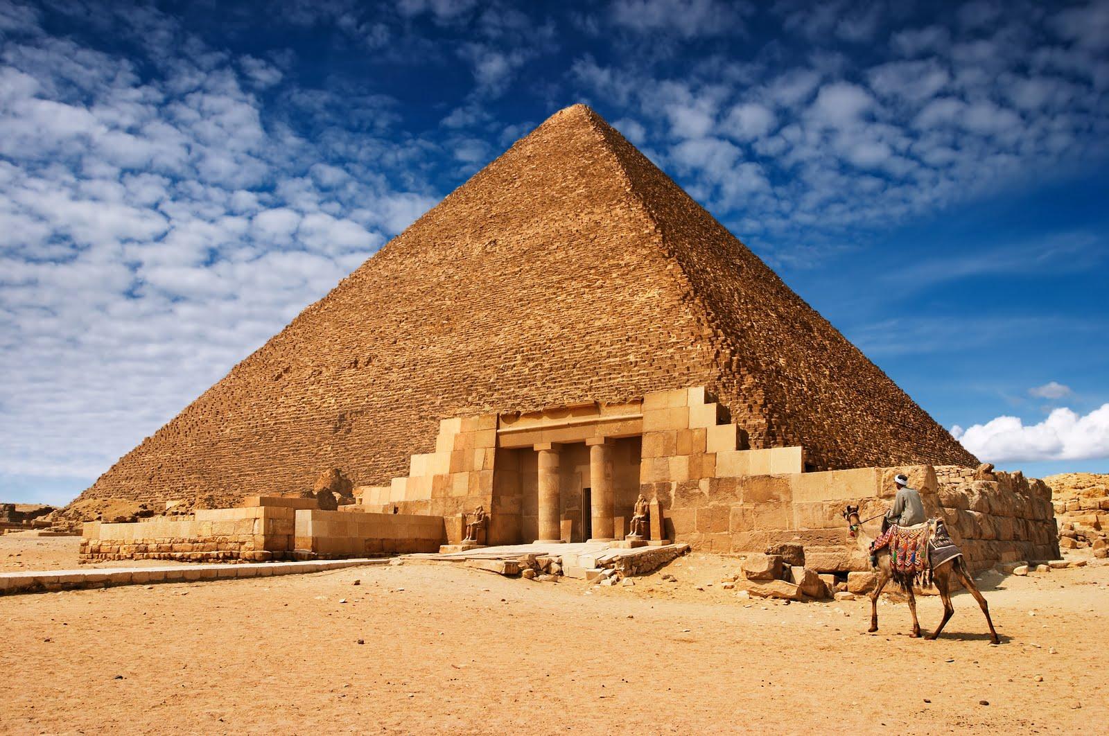 DAEŞ Piramitleri  Patlattı
