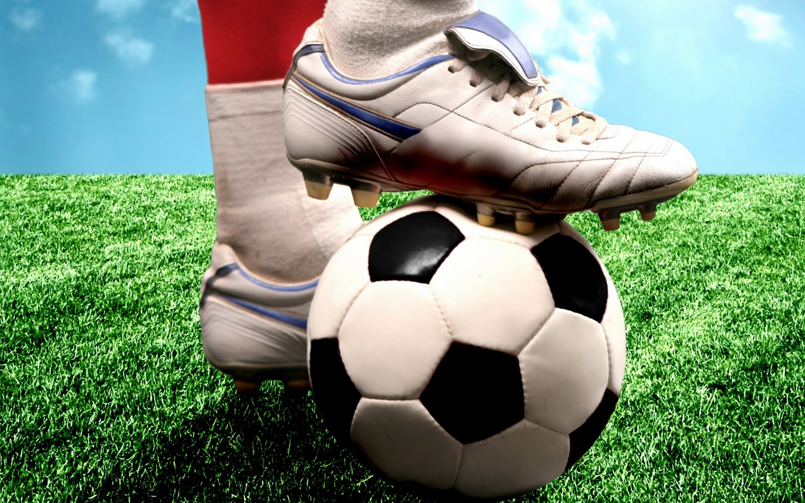 Mâbedleri, Rahibleri, İnananları ve Savaşçılarıyla, 'Futbol Dini'