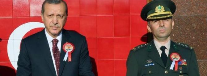 Muhafız Alay Komutanı Namaz Kılmam Cumaya Gitmem