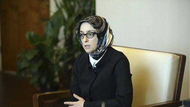 AKP Kadın Kolları Başkanı:  Laiklik Ülke İçin Teminat !